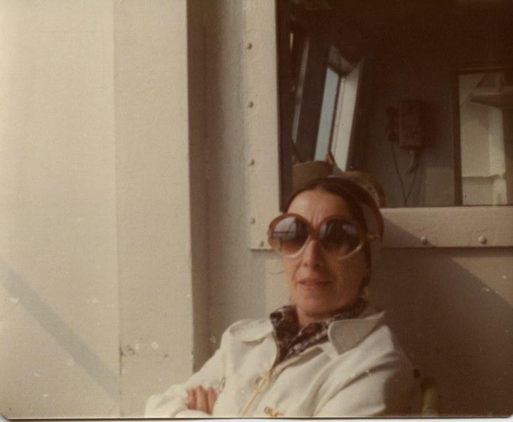 Mom in big glasses